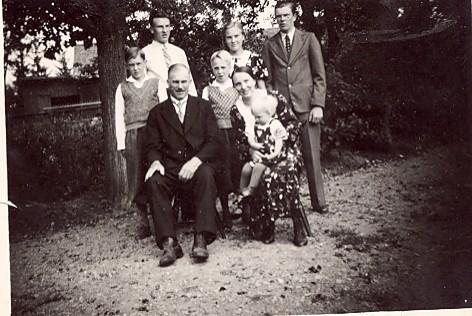 Simon Svensson med familj Smisserum