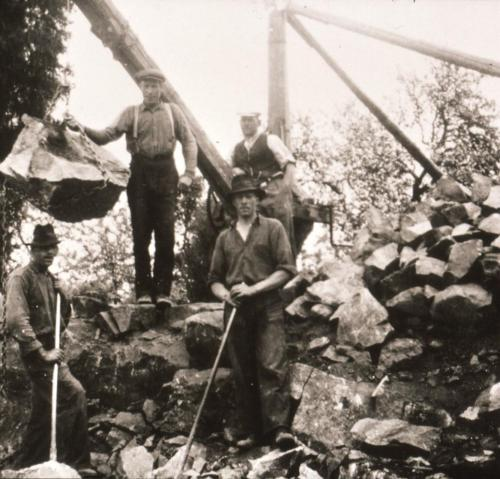 Grundgrävning till Ebenhards affär 1936.